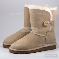 UGG Bailey Button - Sand