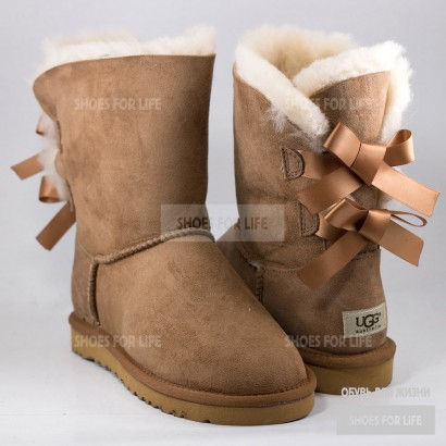 UGG Bailey Bow - Chestnut